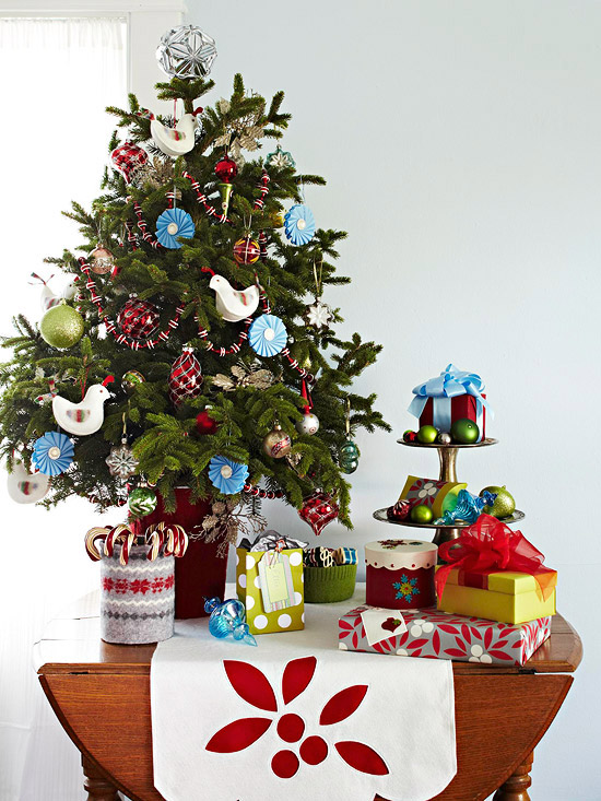 Great ideas for small christmas trees my desired home Ideas for decorating a christmas tree
