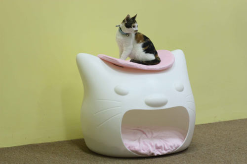 Kitty Meow bed furniture by Studio Mango_1