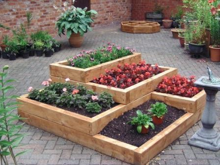 Tiered Gardens And Pots For Small Balconies And Gardens My Desired