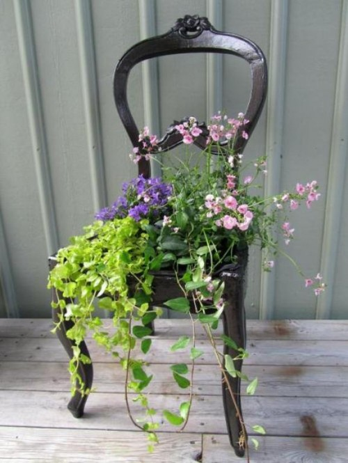 Old Chair Diy Planter idea