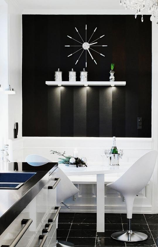 Amazing Black & White Christmas décor ideas8