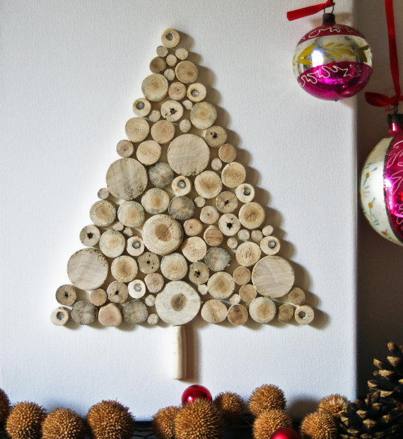 Christmas tree made of small driftwood1