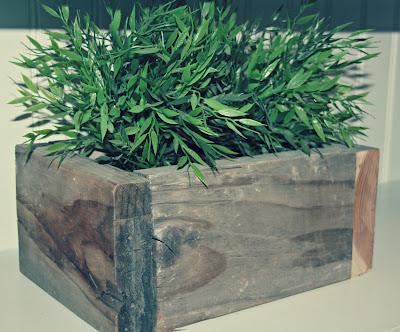 Diy rustic palet planter4