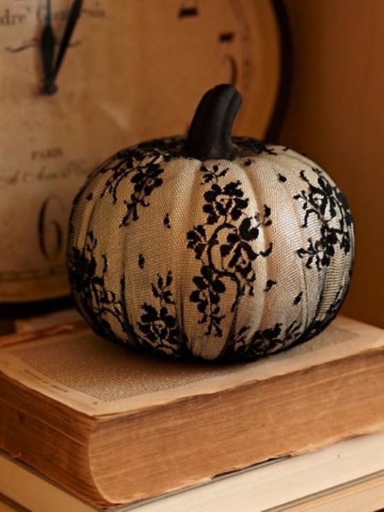 Black and white Halloween ideas18