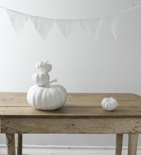 Black and white Halloween ideas26