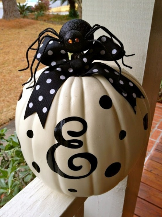 Black and white Halloween ideas30