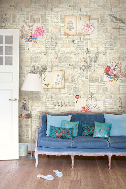 Decorate a wall with newspaper4
