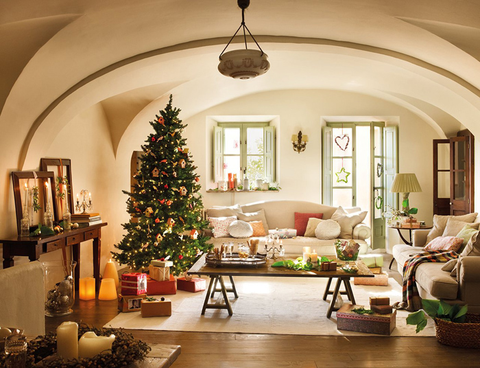 Christmas atmosphere in a fairy tale house3