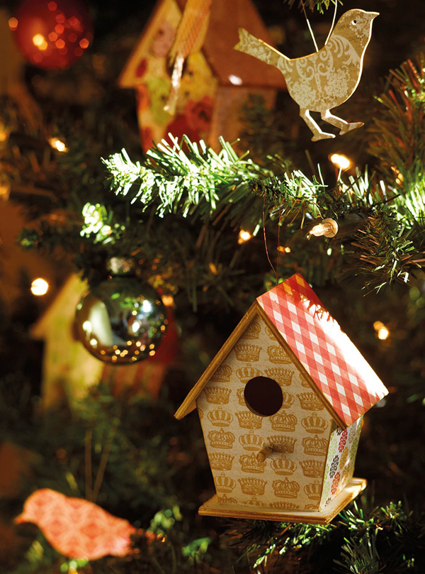 Christmas atmosphere in a fairy tale house4