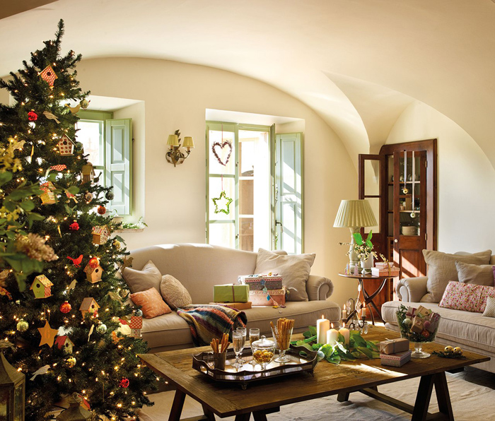 Christmas atmosphere in a fairy tale house5