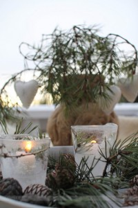 Natural and simple Christmas center decor ideas7