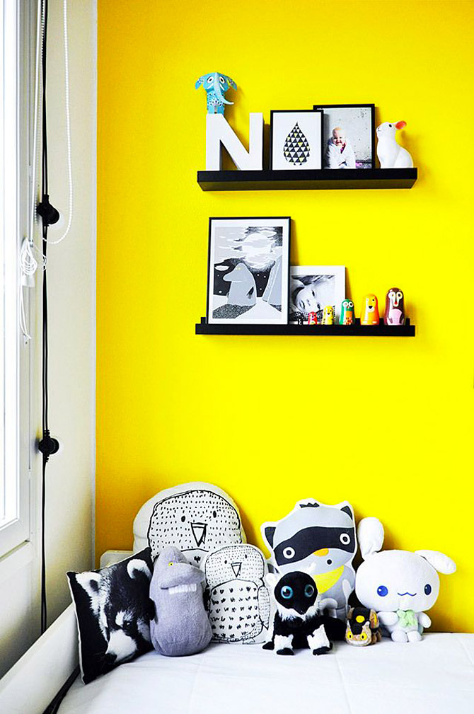 Children's room in yellow and pink4