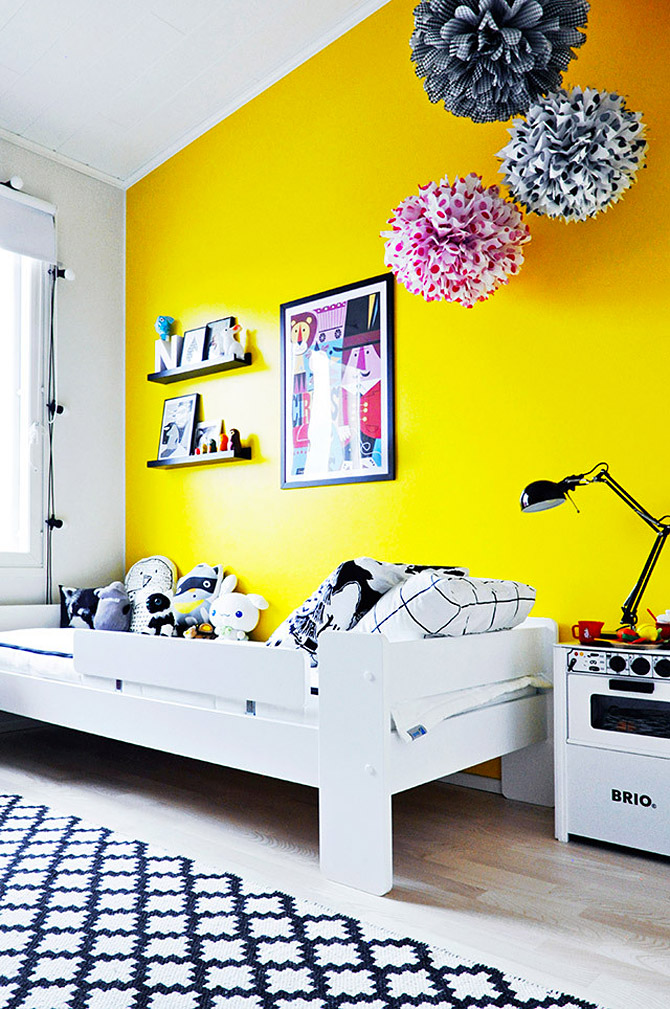 Wonderful children 39 s room in yellow and pink my desired home for Bright yellow bedroom ideas