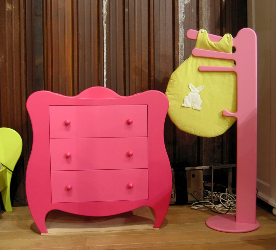 Bright collection of children's furniture13