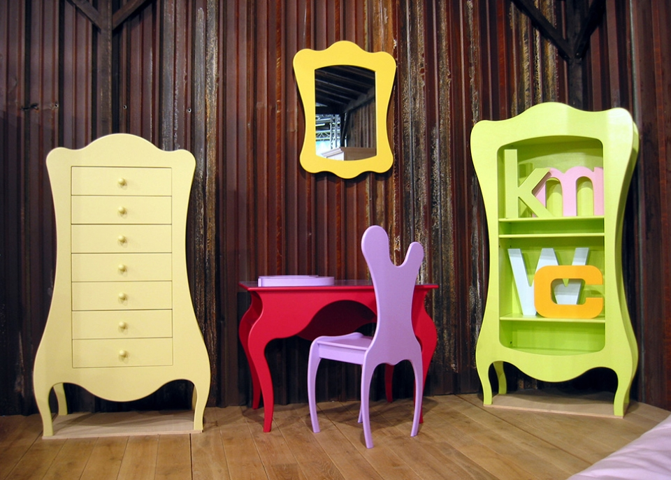 Bright collection of children's furniture2