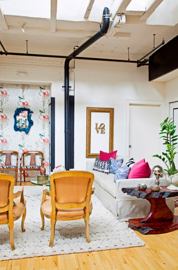 Eclectic decor in a loft3