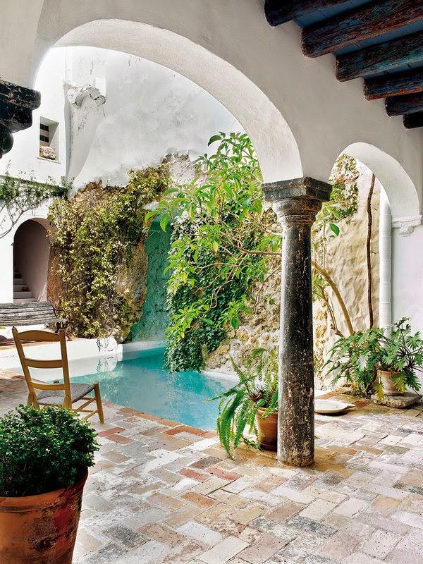 a summer house in Sevilla1