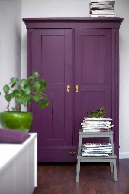 Purple decorative touches7
