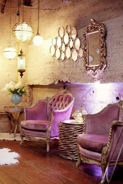 Purple decorative touches8