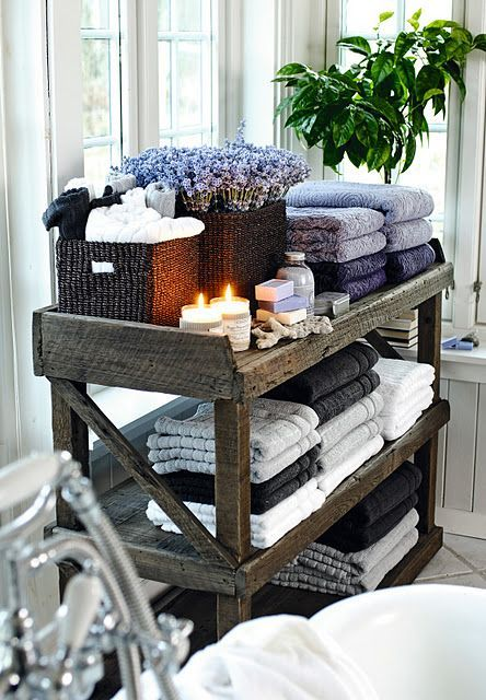 Clever ideas to organize your bath towels5