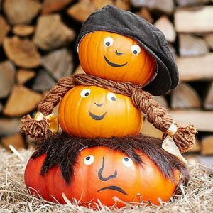 Decorate with pumpkins4