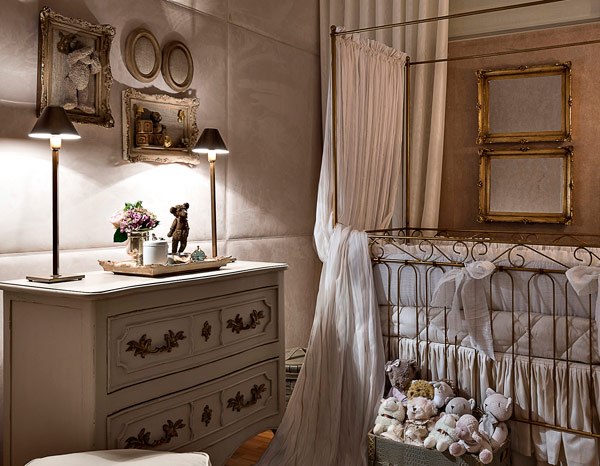 A wonderful baby's room in classic style2