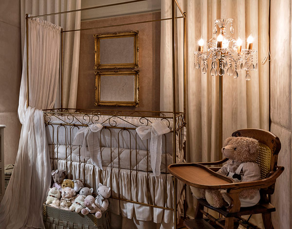 A wonderful baby's room in classic style3