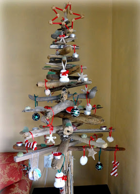 Christmas tree ideas from log and branches17