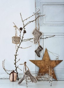 Christmas tree ideas from log and branches18
