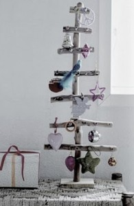 Christmas tree ideas from log and branches21