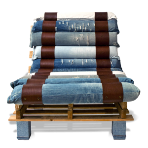 Armchair made from pallets and jeans5