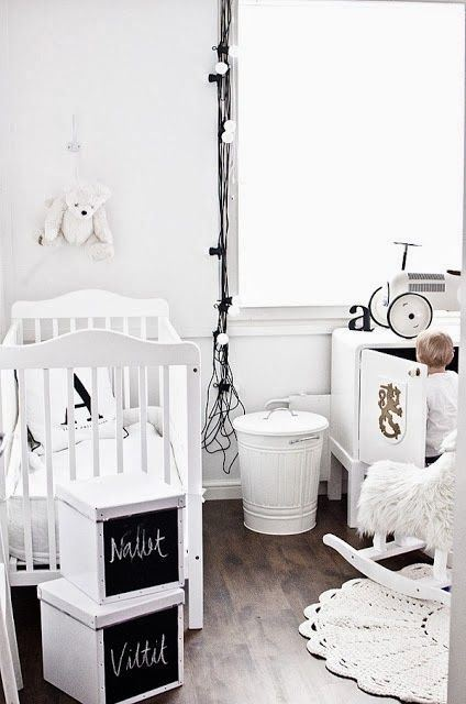 Black and white children's rooms ideas10