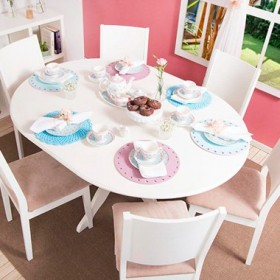 Dining room decorated with romantic style4