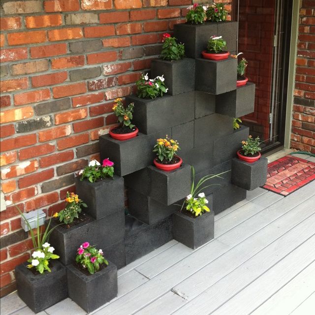 10 Awesome Ideas to Design a Cinder Block Garden on Patio Block Wall Ideas id=37145