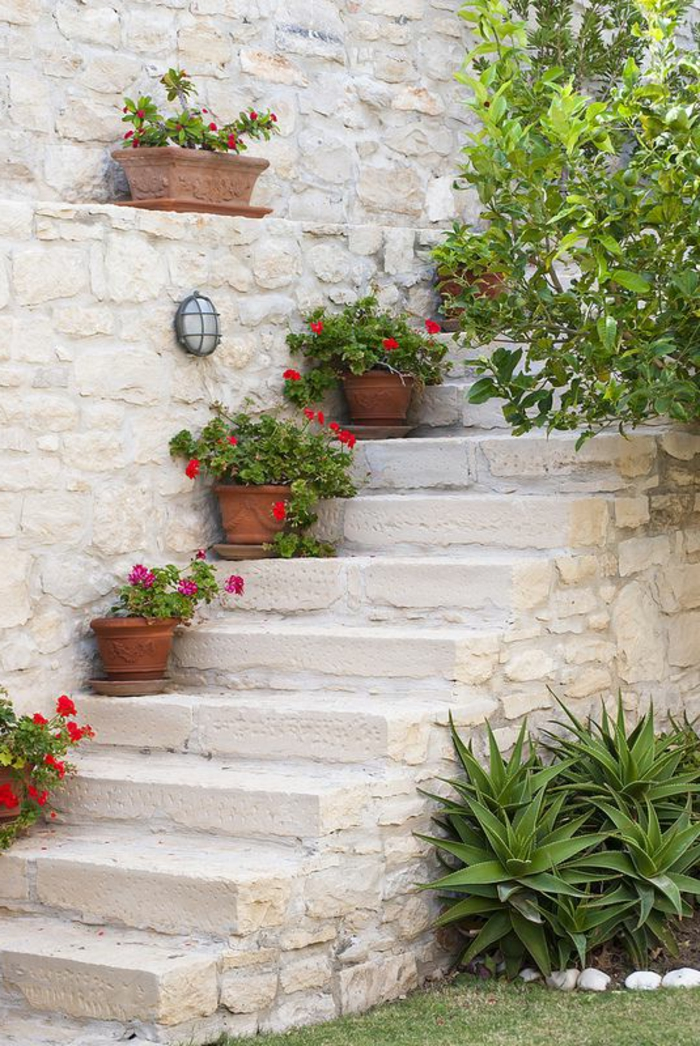 staircase pots decoration ideas2