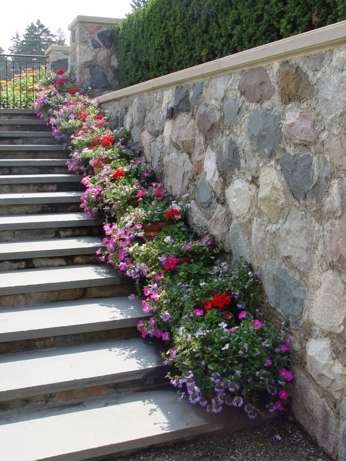 staircase pots decoration ideas5