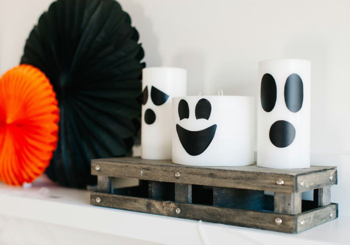 DIY Halloween decoration for a spooky outdoor atmosphere8
