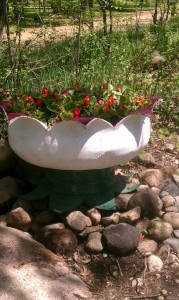 Plant containers from old car tires14