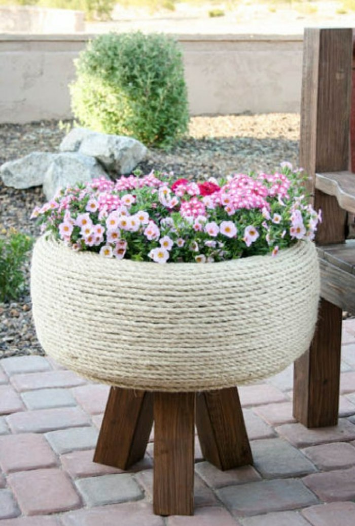 Plant containers from old car tires15