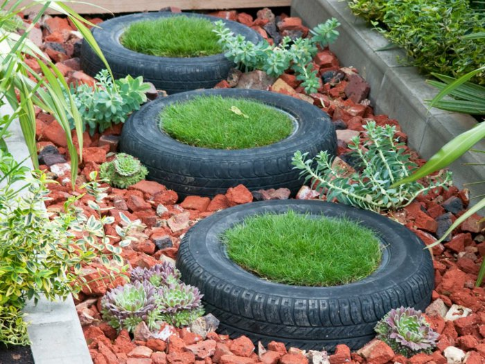 Plant containers from old car tires7