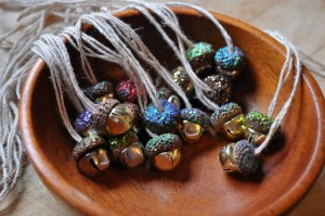 decorative autumn crafts with acorns8