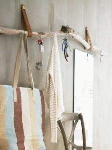 hangers from driftwood16