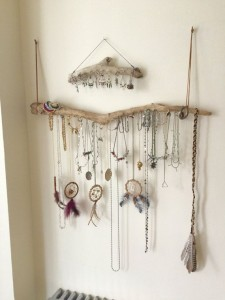 hangers from driftwood2