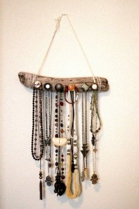 hangers from driftwood4