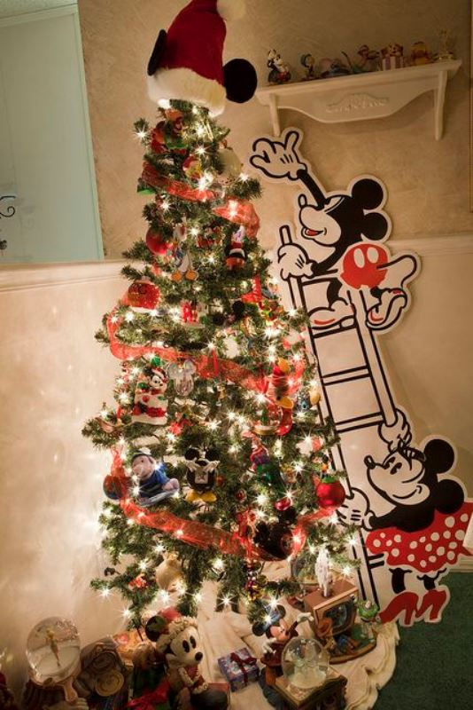 Christmas atmosphere in the children's room10