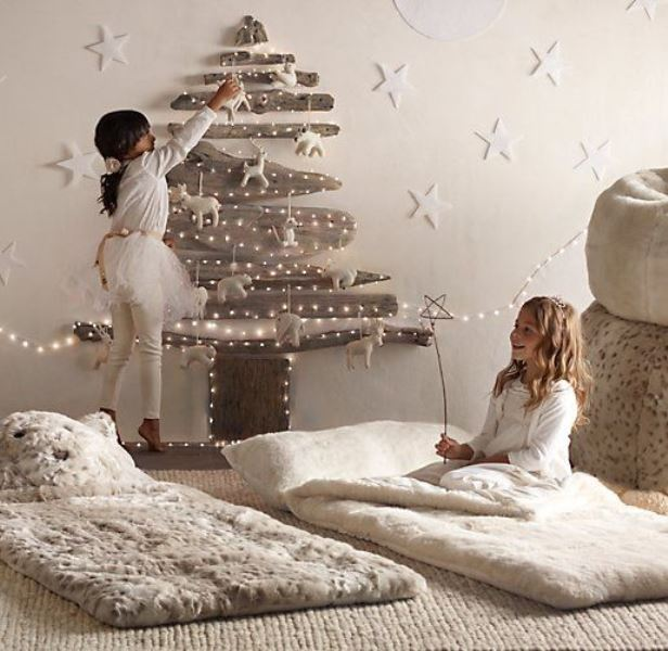 Christmas atmosphere in the children's room9