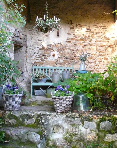 colorful garden ideas25