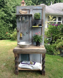 Decorate garden with recycling old doors15
