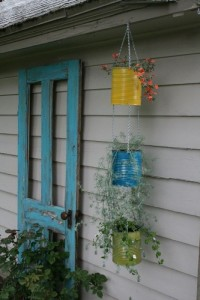 Decorate garden with recycling old doors20