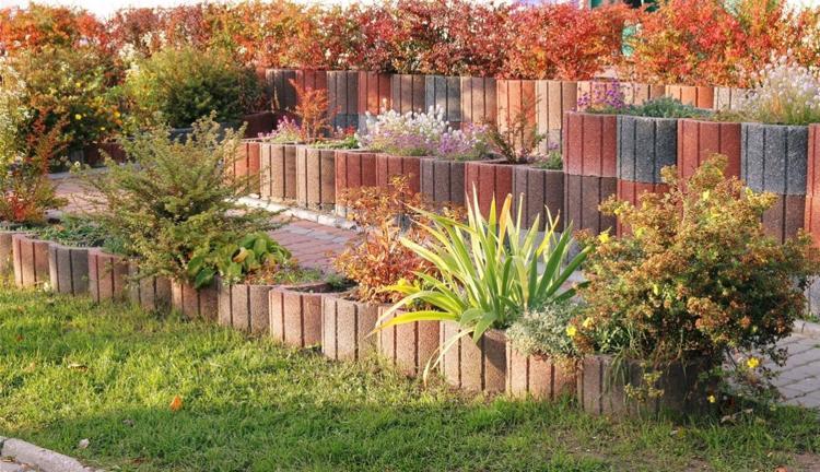 Concrete garden jardinières (1)